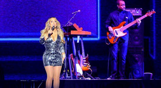 Mariah Carey : une performance convaincante malgré la pluie - Karoline Boucher
