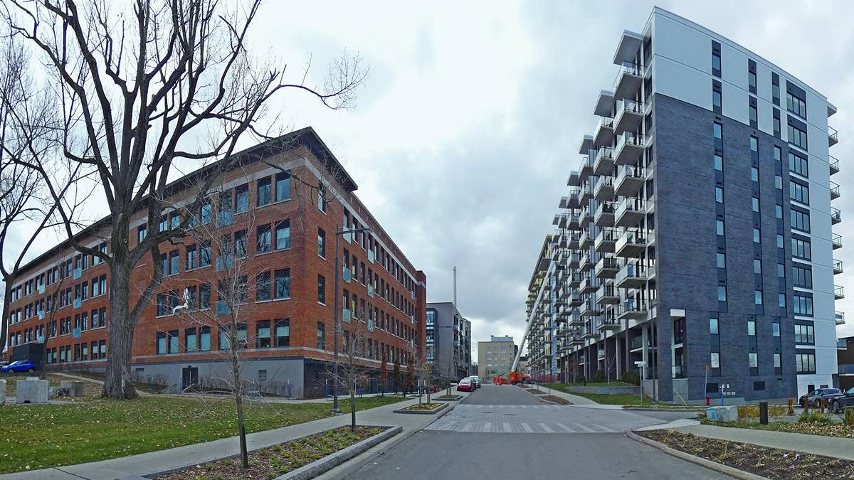 Immeuble rénové (bloc Q - condos bureaux et commerces) et La Klé, phase 1 (bloc C - appartements locatifs).