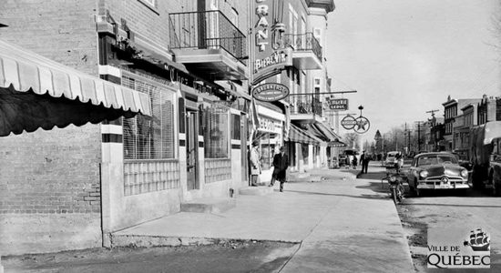 Saint-Sacrement dans les années 1950 : commerces du chemin Sainte-Foy - Jean Cazes