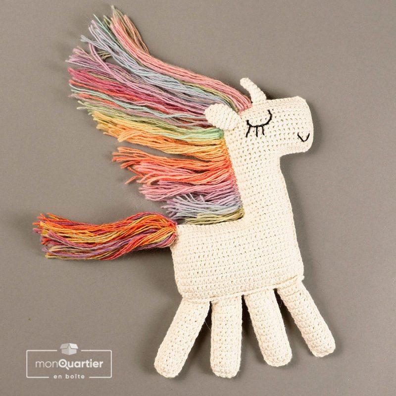 Toutou licorne prêt-à-tricoter