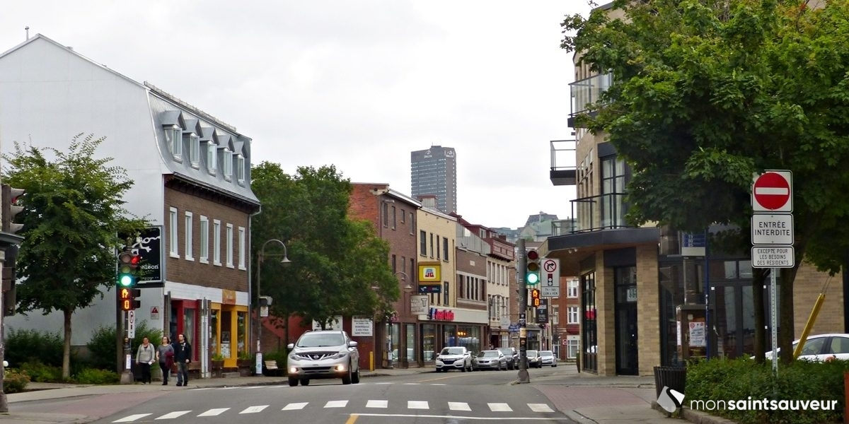 Des places de stationnement courte durée pour faciliter le «take-out» | 20 octobre 2020 | Article par Julie Rheaume