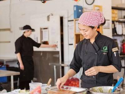 Produits santé et végétaliens «Crudessence» | IGA Deschênes