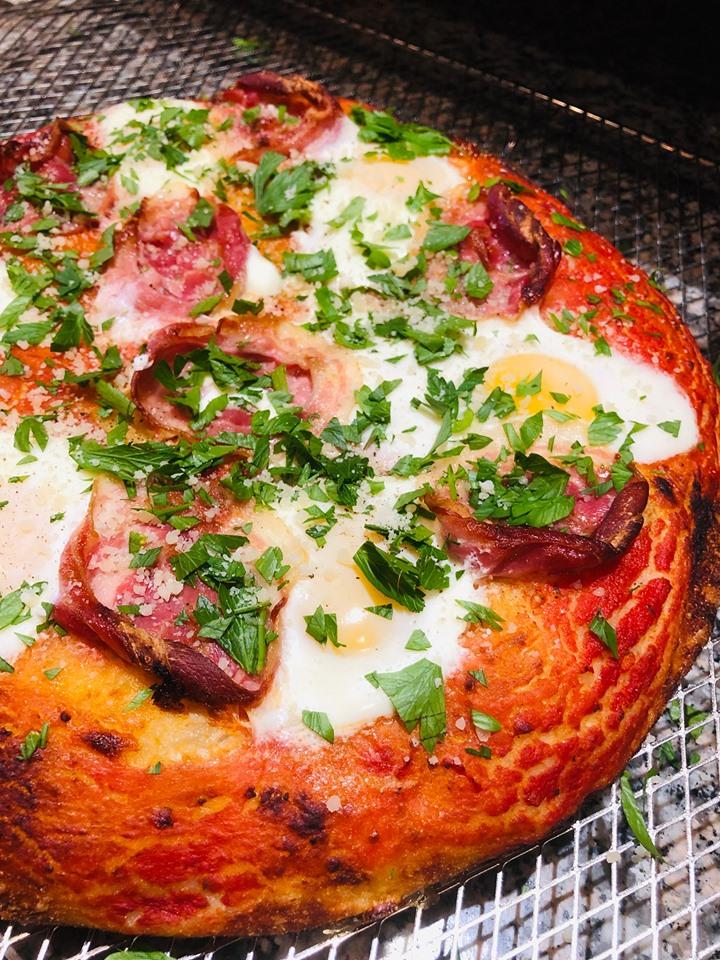 Focaccia Barese aux œufs et pancetta | Il Cuginetto – Comptoir italien