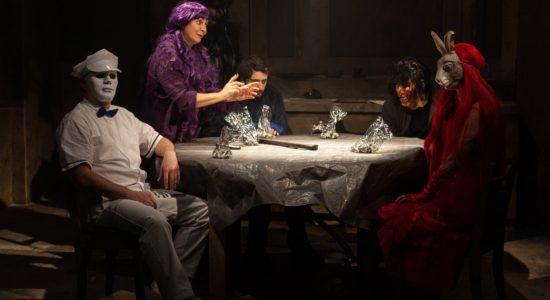 <em>Dévoré(s)</em> : du haut de leur cabane, ils vont jouer avec toi… - Mélanie Trudel