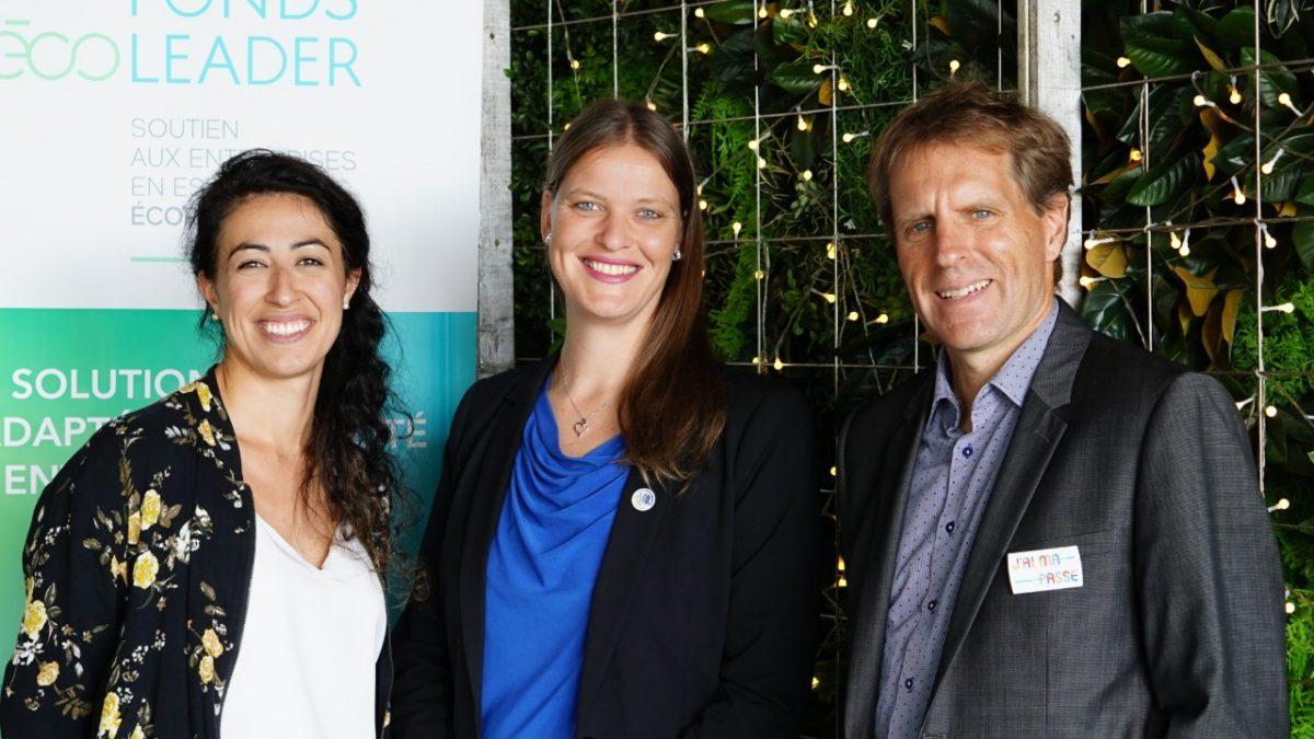 Trois membres de l'équipe du CRE – Capitale-Nationale : Pauline Robert, Marie-Claude Bisson et Alexandre Turgeon.