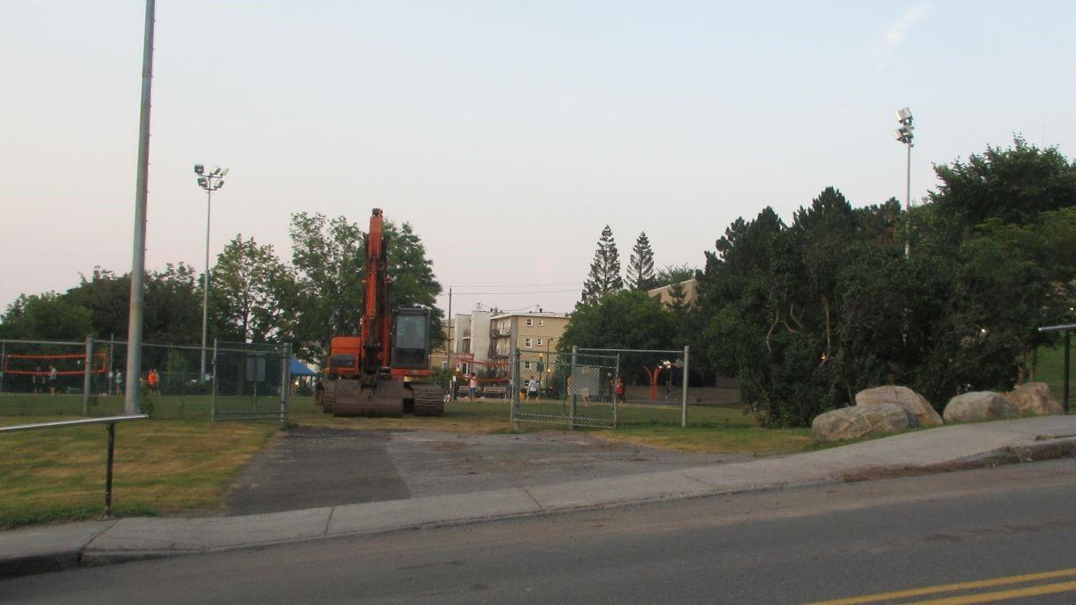 Un stationnement temporaire au parc Lucien-Borne - Julie Rheaume