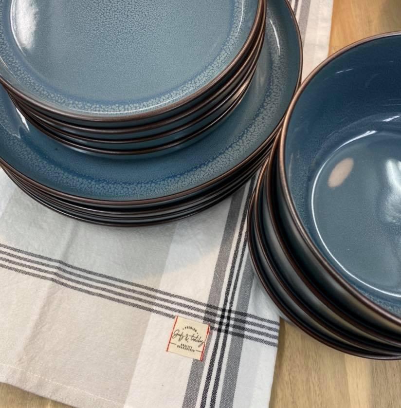 Services de vaisselle | Accro Cuisine et dépendances